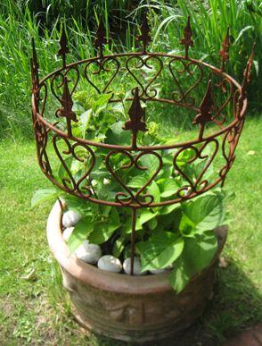 Pflanzenstütze rund Metall | Pflanzenstützen, Staudenstützen | Dekoschmiede.comPflanzenstütze , Pflanzenstütze Rost, Planzenstütze Metall, Planzenstütze, Staudenhalter, |
