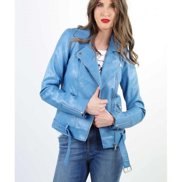 Nel nostro store online sono arrivati i capi della nuova collezione! Scopri il chiodo azzurro in ecopelle!