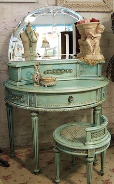 antique waterfall bed with thick posts - Google Search