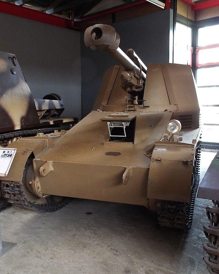 Wespe 10.5 cm leFH 18-2 auf GW II (Sf) 1942 Panzer Museum Munster