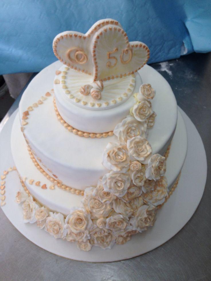 Pi di 25 fantastiche idee su torte per anniversario di for Decorazioni 50 anni di matrimonio