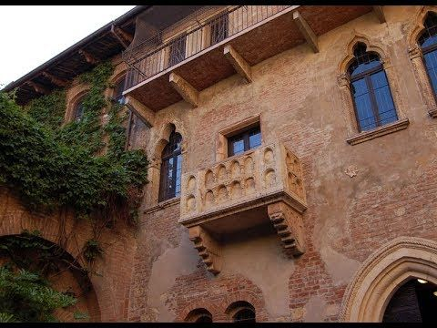 Places to see in ( Verona - Italy ) Casa di Giulietta #instatraveling #travelingourplanet #travelingtheworld #lovetraveling #traveling #travel#worldtravel