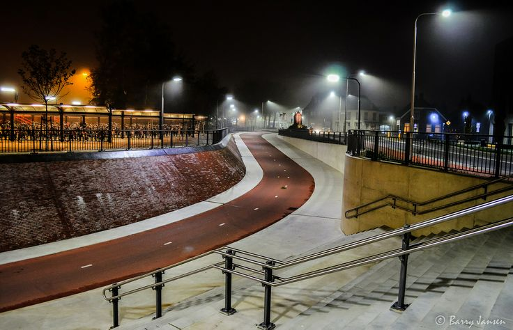 Station Winterswijk in de nacht