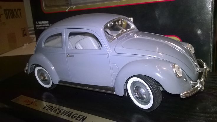 MAISTO 1:18 volkswagen beetle 1951 with ovp