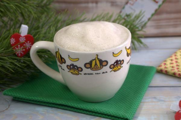 Кофе с плавленым сырком http://citywomancafe.com/cooking/12/01/2016/kofe-s-plavlenym-syrkom