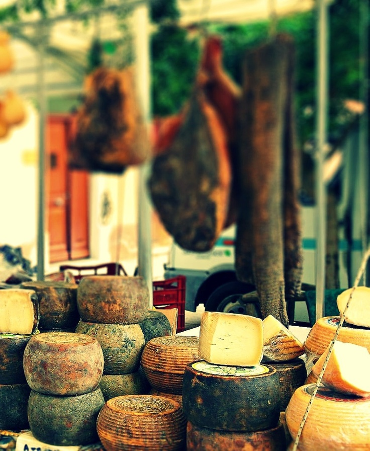 Typical Le Marche Cheeses