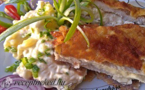 Mackósajttal töltött karajszeletek majonézes krumplival recept fotóval
