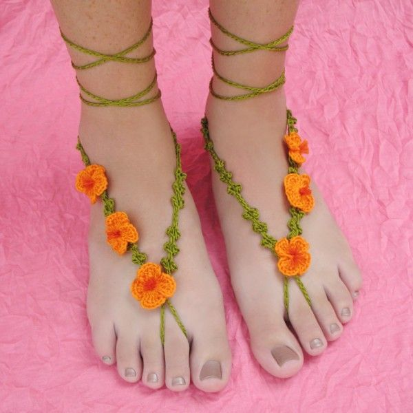 Floral #crochet barefoot sandals pattern for sale from @gleefulthings
