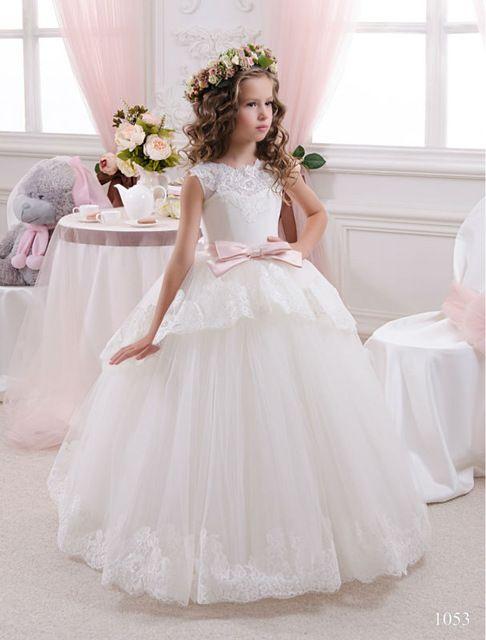 Elegante blanco escarpada del cordón de Tulle Vestidos primera comunión para las muchachas V volver Vestidos de Comunion Casamento Vestidos niña