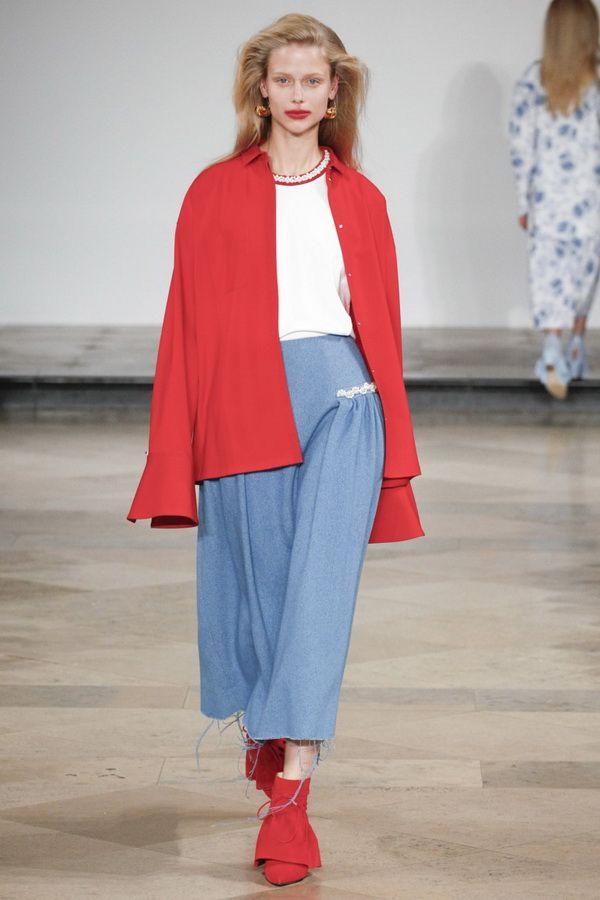 Мода весны 2017. Тренд сочетание красного и голубого