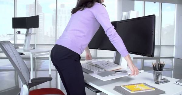 Ergonomics at the Office - http://buff.ly/2usWgNU?utm_content=bufferad87a&utm_medium=social&utm_source=pinterest.com&utm_campaign=buffer #ergonomics #officescene #office #furniture