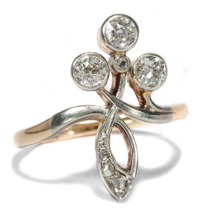 Der Stil der Jugend - Floraler Jugendstil-Ring mit Diamanten in Platin, Deutschland um 1900 von Hofer Antikschmuck aus Berlin // #hoferantikschmuck #antik #schmuck #antique #jewellery #jewelry