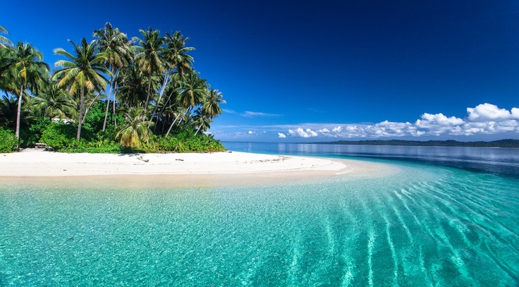 Resort Latitude Zero, Telo Islands. Crystal clear equatorial waters.        Image_ Mick Curley  www.mickcurleyphotography.com