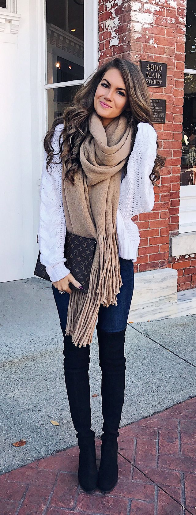 loveeeee this fall outfit. Cmcoving on Instagram