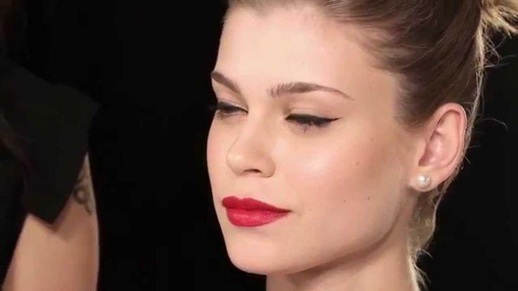 Passo a Passo: Como fazer maquiagem Pin Up (retrô) | Maybelline NY (+pla...