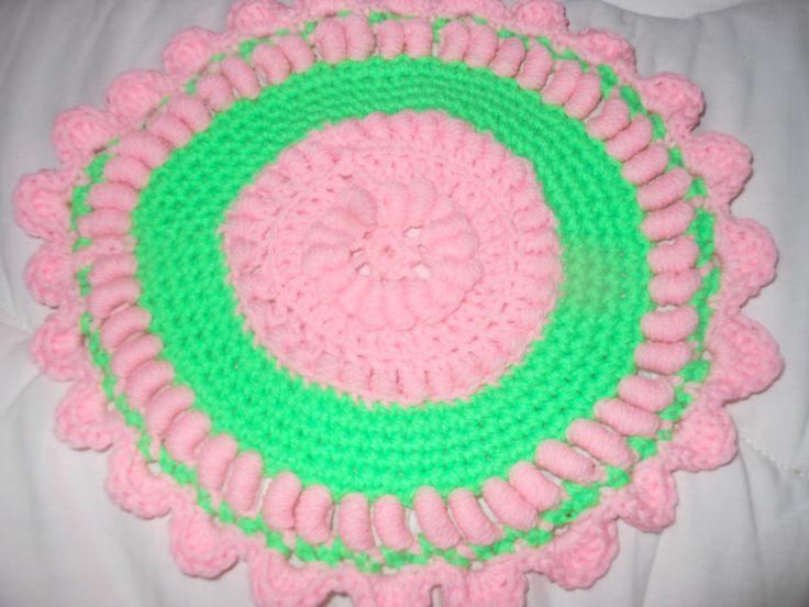 Roll Stitch Hot Pad  By: Cajun Crochet