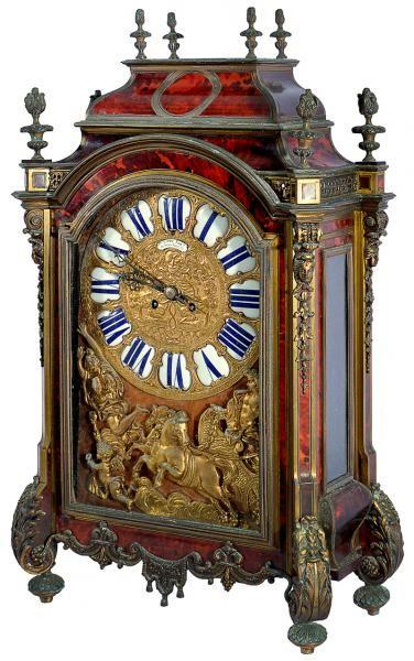 Relógio de mesa francês C.1890, Philippe, 66-67 Palais. Decoração em tartaruga e guarnecido por bron