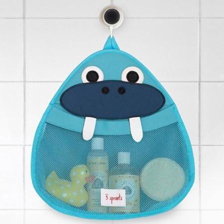 3 Sprouts Органайзер для ванны  — 2399р. ----------------------- Органайзер для ванны 3 Sprouts идеально подойдёт для хранения банных принадлежностей Вашего малыша. Он изготовлен из материала, используемого для гидрокостюмов, так что все игрушки и банные принадлежности будут храниться в сухости, а также защищены от плесени. Эластичный «рот» косметички превращает поиск той самой игрушки в настоящую охоту! Крепится на присоску.