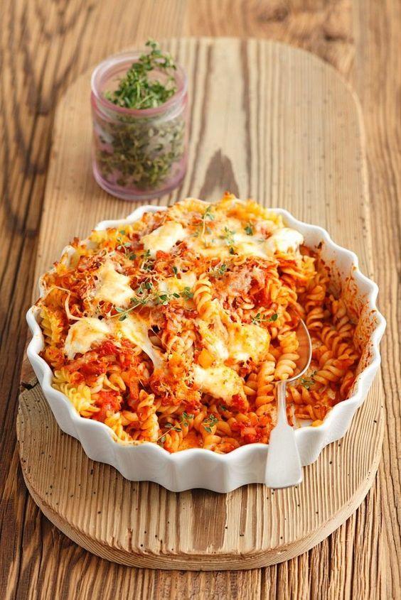 Spirelli-Gratin mit Tomate und Mozzarella