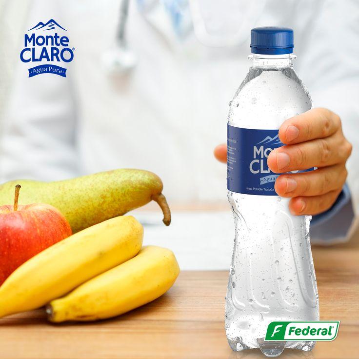 ¡Alimentación saludable! Tomar agua siempre hace parte de una alimentación saludable, te invitamos a que la incluyas en tu rutina y que Monte Claro esté en tu vida. #aguadevida
