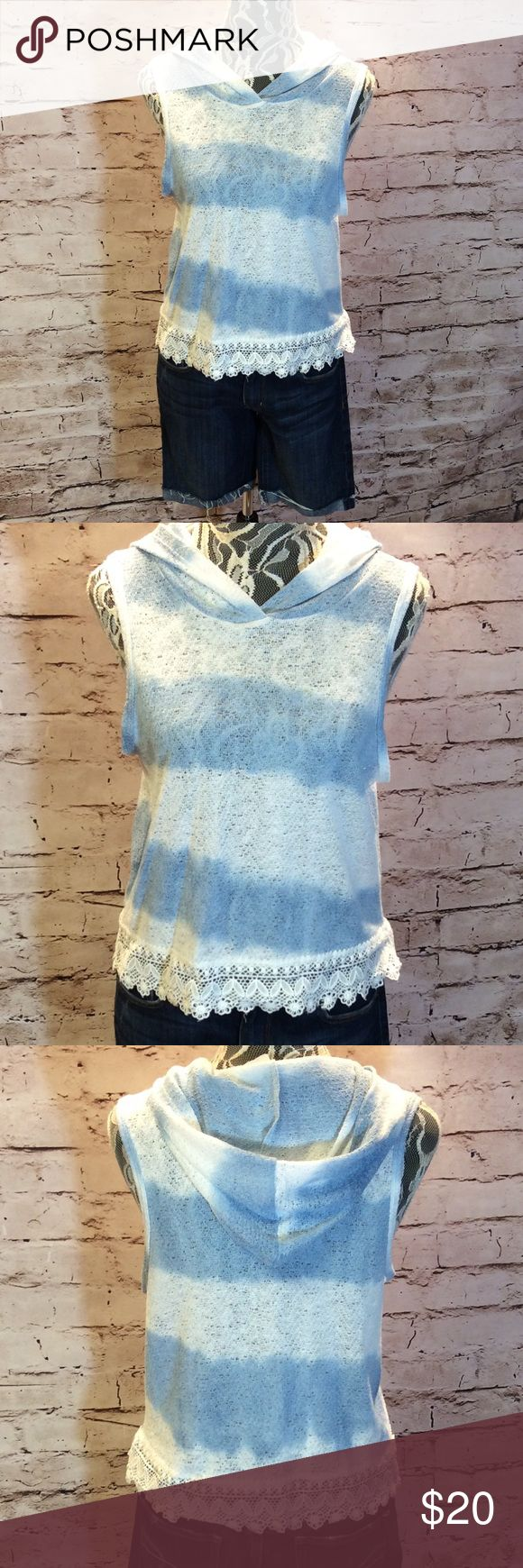 CUTE SLEEVELESS HOODED TOP WITH LACE DETAIL Pretty blue and white top with a white lace/crochet hem and a hood. Intro Tops Blouses