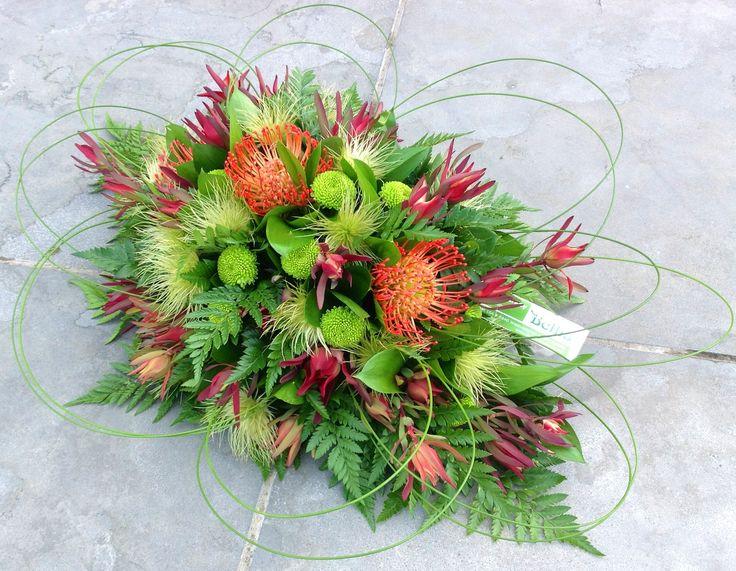 Grafstuk met Nutan bloemen