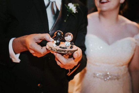 Guarda questo articolo nel mio negozio Etsy https://www.etsy.com/listing/465734176/personalized-wedding-cake-topper