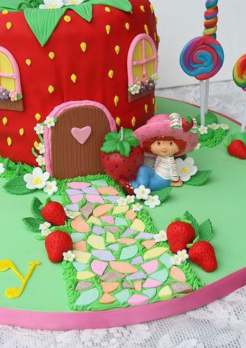 Cakes Strawberry Shortcake Character