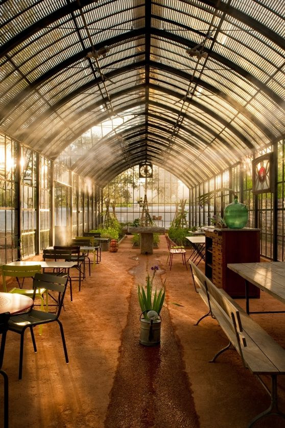 NuBuiten inspiratie // #Shed // VISI / Articles / Refreshment station - Babylonstoren's atrium cafe - reminds me of a coffee shop in downtown Helskinki