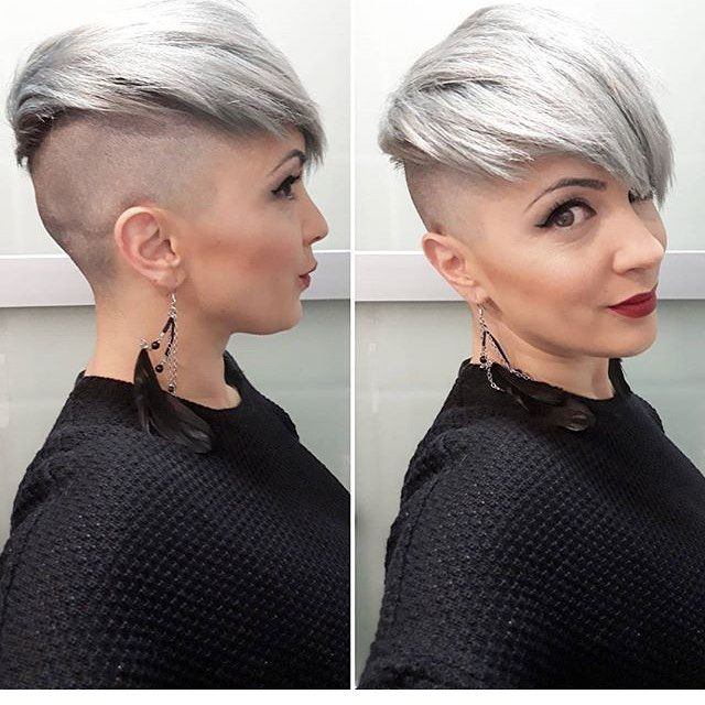 "116 Likes, 3 Comments - @boblovers on Instagram: ""Haircut by @capt_n_hook #bobhaircut #undercut #carrè #sidecutstyle #bobhairstyle #rasatura…"""