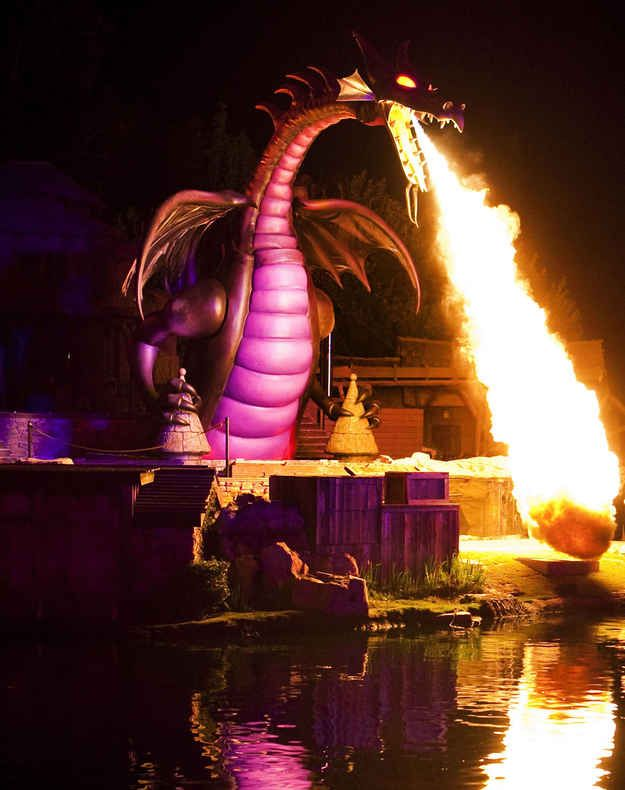 Want to watch Fantasmic ? Go to the second showing as there usually a lot fewer people.   18 Tips And Hacks To Make Your Day At Disneyland Better