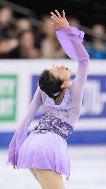 フィギュアスケート世界選手権・女子フリーで演技をする浅田真央=米ボストン
