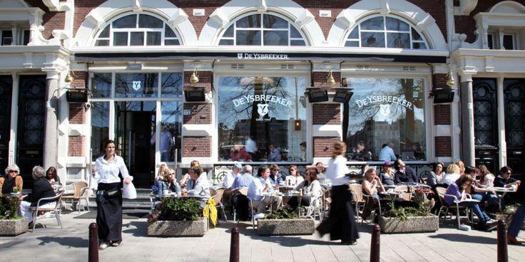 Ysbreeker Café Restaurant Amsterdam - Café Restaurant. Bruisend van het leven en een ontmoetingsplek voor heel Amsterdam. Een plek waar je de hele dag kunt doorbrengen, als je dat wilt. Met als sterke troeven de verskeuken die tot laat in de avond geopend is, het terras aan de Amstel en de monumentale ruimte met een rijke geschiedenis. De Ysbreeker-Weesperzijde 23- 1091 EC Amsterdam