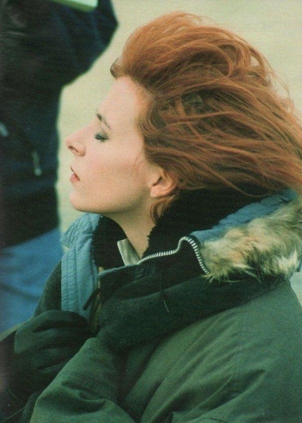 Mylène Farmer - Clip Sans contrefaçon - Décembre 1987