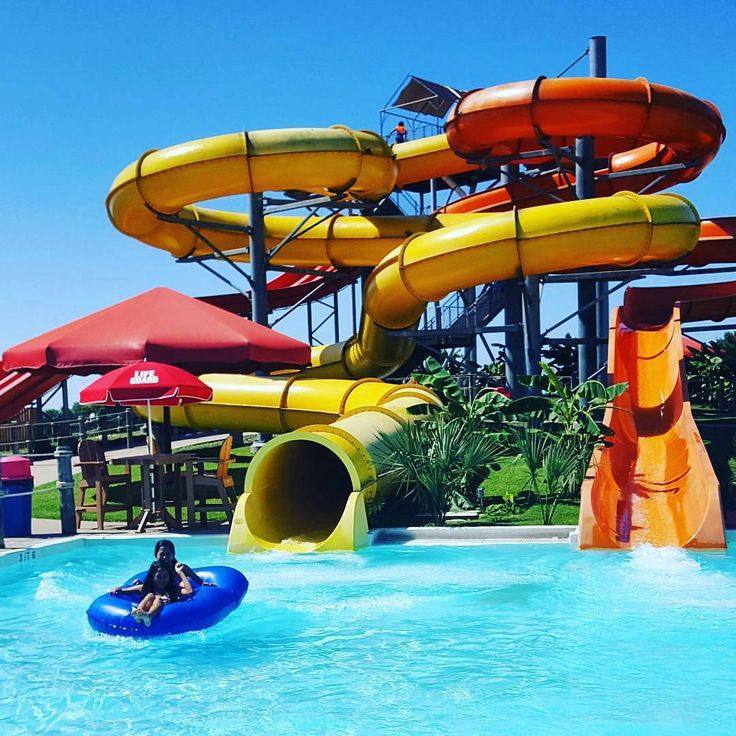 Best Dallas Water Parks to Check Out this Summer