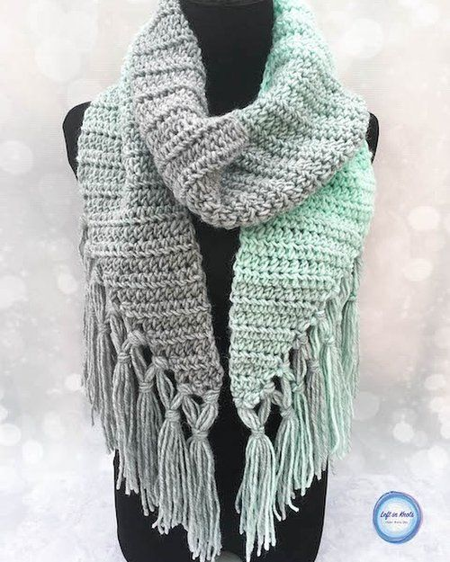 Seven Days of Scarfie 2017 is here! Seven days of seven free @lionbrandyarn Scarfie crochet patterns. Day number one starts with the Mint-circle Scarf. Click the link in my profile to find the free pattern. 〰️ I've never used double-knotted fringe on a scarf before, but holy cow you guys I love it! 😍 Scarfie yarn is such a treat to work with and I hear it's on sale at a lot of different places today. Just sayin 😉 〰️ I hope you will come back and share pictures of your finished projects…