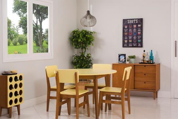 Que tal levar uma cadeira amarela para casa para encher sua sala de beleza? A Cadeira Charme é uma cadeira  que vai complementar qualquer decoração vintage ou moderna, enchendo seu ambiente de elegância e estilo. Essa cadeira de madeira é extremamente confortável e vai garantir longas horas de conversa com muito aconchego para você e os seus convidados. Conheça as cadeiras para mesa de jantar que vão mudar a sua casa. Cadeira produzida em madeira de pinus de floresta plantada e MDF.