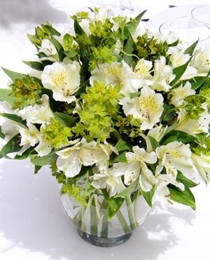Image result for bridesmaid flowers alstroemeria