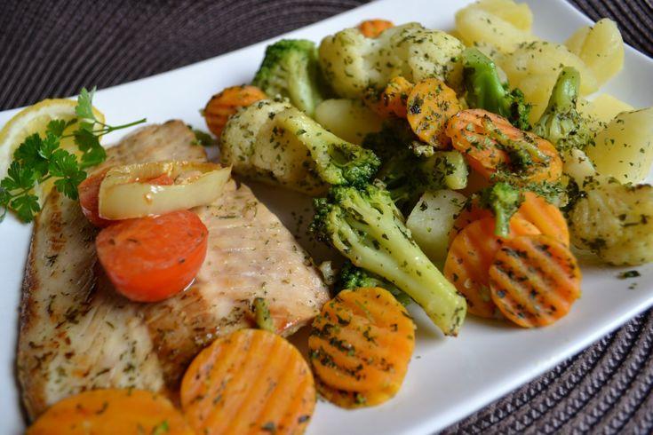 Citromos lazac, párolt zöldségekkel
