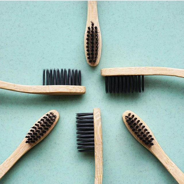 Does your toothbrush whiten, strip plaque, absorb chemicals and odours, detoxify and give your mouth the freshest of feels?   #makethechange to PearlBar' Charcoal + Bamboo toothbrush today to give your pearls something to smile about!