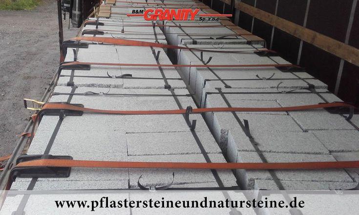 Firma B&M GRANITY – GRANIT-MAUERSTEINE aus Polen, diverse Mauersteine- (Quader-) Sorten aus Granit, Sandstein, Schiefer…für den Garten. Auch solche Steine (gesägt-gespalten) werden mit dem Firmenfuhrpark (B&M GRANITY) an Kunden geliefert.    http://www.pflastersteineundnatursteine.de/fotogalerie/mauersteine/