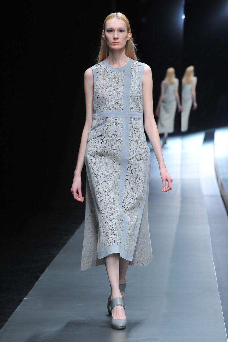 Hanae Mori Designed by Yu Amatsu Autumn-Winter 2015-2016 (Fall 2015) Ready-to-Wear, shown February/March 2015