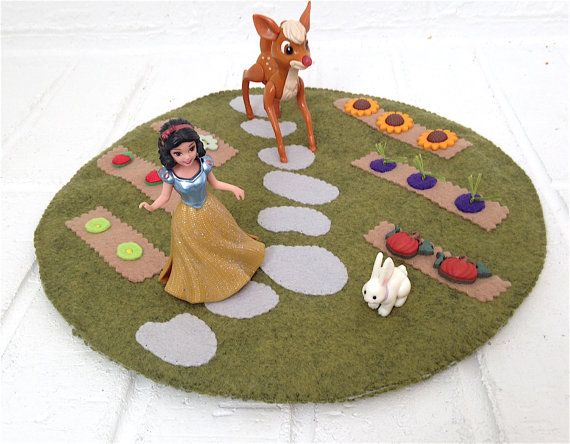 Filz-Matte Spielgarten Peg Puppe Tennispl so von sanctusstitches