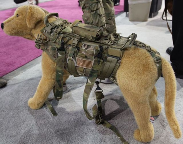 ROCO Police Dog Vest MOLLE Tactical Dog Vest Airsoft Combat Dog MOLLE Harness With Dog Leash Metal Buckle Cordura Nylon