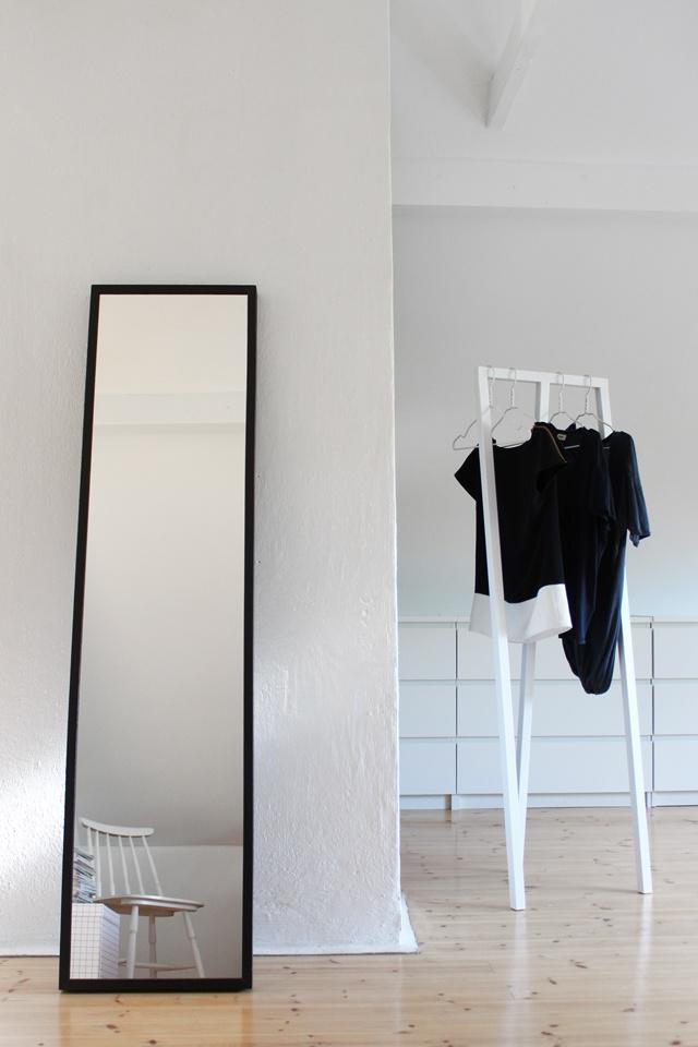 minimal dressing space