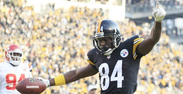 Antonio Brown passes Lynn Swann in receiving yards with TD, his 400th career reception and is now ranked 4 th in Steelers all time receptions. His stats today: 9 catches for 195 yrds. 2014 stats: 129 catches, 1,698 yrds., 13 TDs;  30 punt returns, 319 yrds., and 1 TD for 71 yrds.  His 129 catches ranked him 2nd in NFL and his 1,698 yrds ranked 6th in NFL. Both were ranked 1st in Steelers stats.  09/20/2015