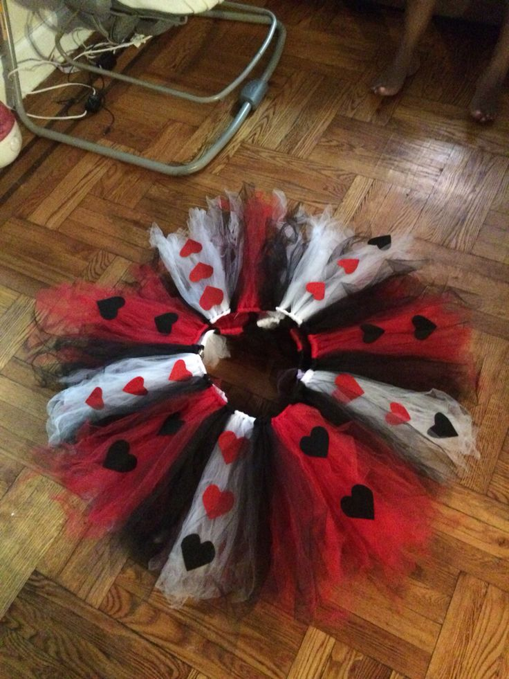 Queen of hearts. Adult tutu
