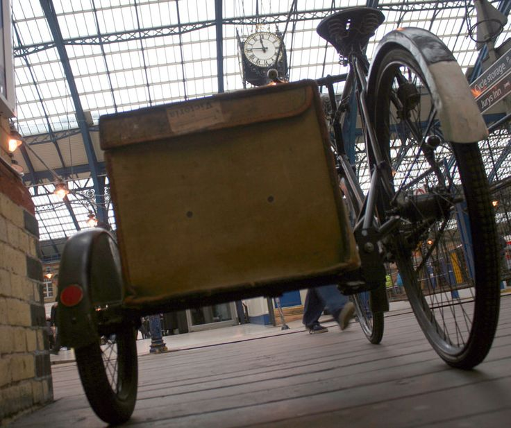 www.Oldbike.eu Museum - 1933 Raleigh Popular All-Weather Gents Bicycle with Watsonian Sidecar