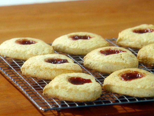 Strawberry and Rosemary Scones Recipe : Giada De Laurentiis : Food Network - FoodNetwork.com
