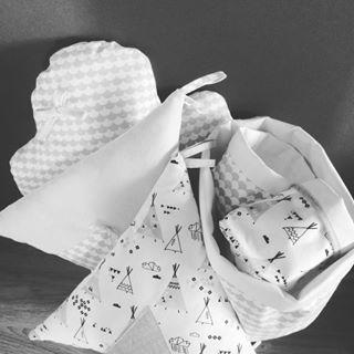 [ WIP ] La prochaine mini collection arrive bientôt sur le shop... J'ai hâte de vous la montrer ! En attendant, vous pouvez profiter des derniers jours de soldes sur la boutique ! . >jolitipi.tictail.com . #wip #workinprogress #nouvellecollection #deco #home #kid #kids #kidsroom #decoenfant #chambrebebe #chambreenfant #cousumain #fabriqueenfrance #madeinfrance #eshop #boutiqueenligne #tictail #jolitipi